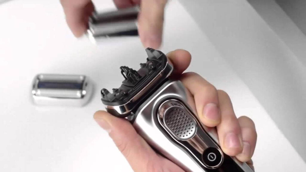 Braun Series 9 9095cc Men's Electric Foil Shaver Wet & Dry with Cleaning Station